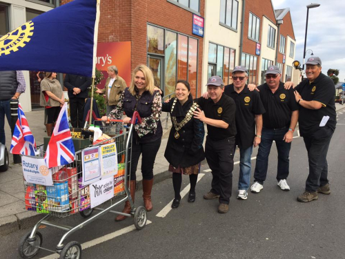 Biddulph Rotary Trolley Trek 2016 set off3