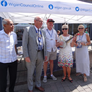 2018 CD Rotary stall with members and the Mayor