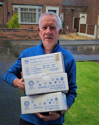 Newton le Willows Alan with shoe boxes 021120 (2) copy